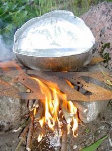 Minieldstaden kokar tevatten